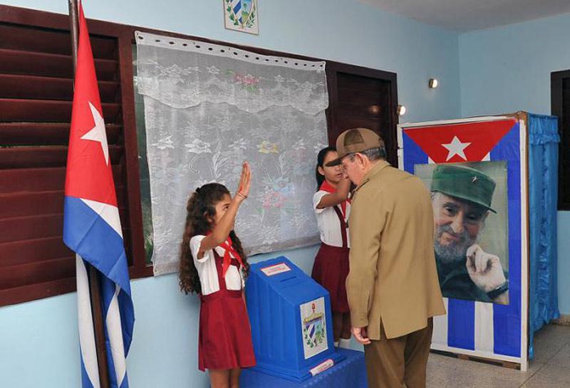 Cuba vota y por primera vez un Castro no es candidato